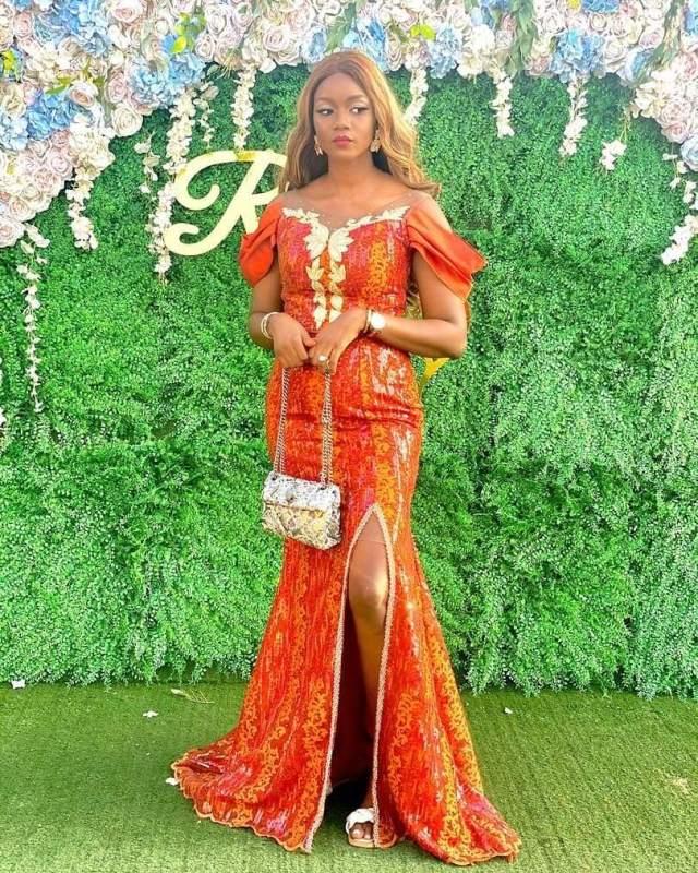 1601722676 454 Latest Asoebi Styles 2020 Stunning Lace Styles For Beautiful Ladies