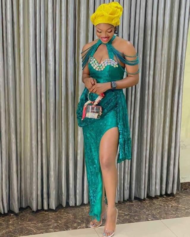 1601722676 96 Latest Asoebi Styles 2020 Stunning Lace Styles For Beautiful Ladies